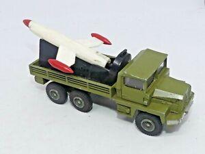 DINKY TOYS 620 BERLIET GAZELLE ROCKET LAUNCHER & Original Rocket