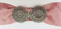 sehr große Trachten Schürzenschließe, zwei runde Ornamente, Farbe altsilber