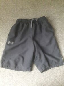 Boys Large Youth Under Armour Black Shorts Vgc