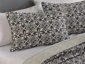 Croft and Barrow Standard Pillow Sham - Sarah Global Tile