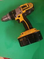 DEWALT DCD950 3 SPEED HAMMER DRILL w/ DEWALT 18V XRP BATTERY DC9096