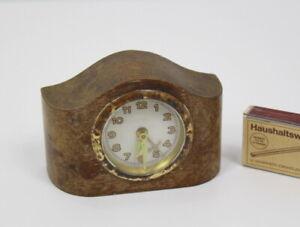 Antik Miniatur Art déco Tischuhr Wecker Holz auch für Puppenstube Uhr läuft!