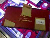 Leitz Wetzlar Synchronblitzer -  ansehen !  OVP  Leica-Boutique-Dresden