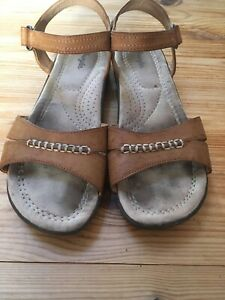 Ladies Wrangler Tan Brown Sandals Size 6 Leather