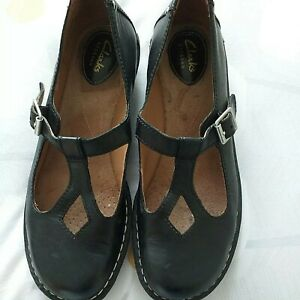 Clarks artisan Black Leather T-bar Sandals Uk6.5DFitting