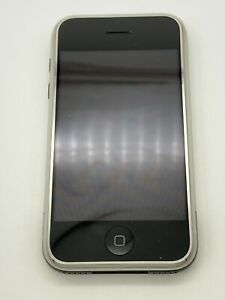 iPhone 2G MA712LL A1203 8GB With Speck Case And External Battery