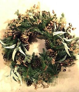 "26"" TUSCAN MIXED PINE WREATH (GREEN/GOLD)"