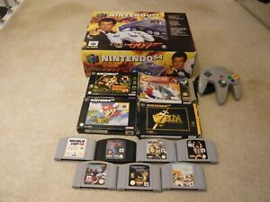 BOXED N64 / NINTENDO 64 007 GOLDENEYE CONSOLE WITH 12 GAMES AND EXTRA CONTROLLER