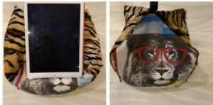 Jungle Wild Cats - iPad Pro Tablet cushion Beanbag stand holder tablets kindle