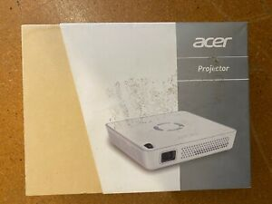 ACER C101i PORTABLE WI FI  DLP HD READY PROJECTOR - UK STOCK RRP £349