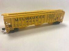 N Fox Valley Models Milwaukee Road 4750 CuFt 3-Bay Covered Hopper