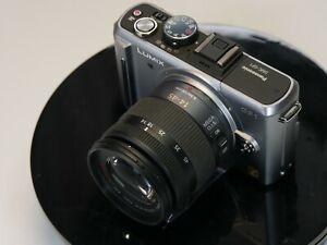 Panasonic LUMIX DMC-GF1K 12.1MP Digital Kamera - silber Kit mit 14-45mm ASP OIS