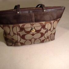 COACH Handbag Purse Signature Brown Tote Shopper #11691 Lilac Interior
