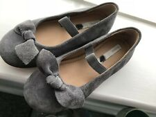 Girls Grey Real suede ballet pump shoes size 27. Bow on front good condition.