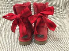 UGG CUSTOMIZABLE SHORT BAILEY BOW RIBBON RED SUEDE FUR BOOTS SIZE 9 WOMENS