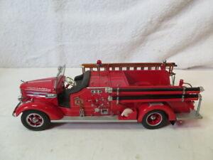 Franklin Mint 1/32 1948 Mack Classic Pumper Fire Truck