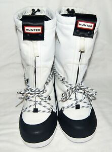 BNWT HUNTER MOON BOOTS White Color.  Size 6