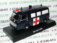 CR35 voiture AMBULANCE 1/43 CARABINIERI : FIAT 238 1969 Croix rouge red cross