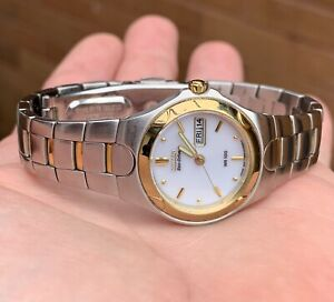 A LADIES PRE-OWNED GOLD PLATED CITIZEN ECO-DRIVE QUARTZ WRISTWATCH...WORKING.
