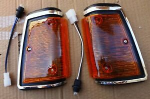 FITS DATSUN NISSAN 720  MODEL 1979 83 PAIR FRONT SIDE CORNER LIGHT CHROME LH RH