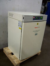 """9695 THERMO FORMA 3110 CO2 WATER JACKETED INCUBATOR SERIES II I.D. 19""""X19""""X25"""""""