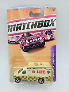 2010 MATCHBOX FORD E-350 AMBULANCE LIFE EMS VHTF *VERY RARE*