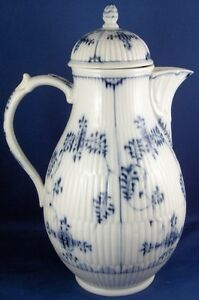 Antique 18thC KPM Berlin Porcelain Strawflower Coffee Pot Porzellan Kanne German