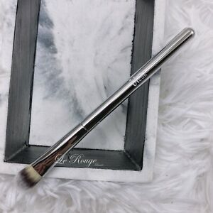 it Cosmetics Essential Concealer Brush *Travel size came from a set cream shadow