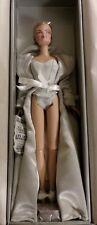 Fashion Royalty Close-Up Veronique Perrin Blonde Doll NRFB NIB
