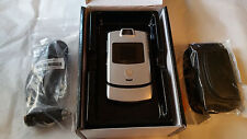 NEW FLOOR UNIT SILVER US CELLULAR MOTOROLA V3M RAZR GR8 COSMETICS GOOD CLEAN ESN