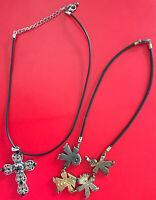 Wunderschönes Schmuck-Set 2tlg Schwarze Kautschuk Halsketten tolle Anhänger