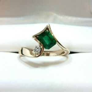 14k Yellow Gold Modern Design Natural Emerald and Diamond Accent Ring, Size 6