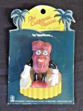 Vintage 1988 California Raisins Lapel Pin Lady Female Toy Animated On Card NOS