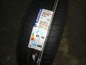 1x  Michelin PILOT SPORT 4 EL ZP 225/45R18 95 Y (B, B, 71) RSC Sommerreifen