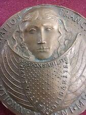 MEDAILLE bronze ART DECO femme proue Association française cautionnement  B91