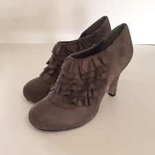 "Madden Girl Size 9 Raleigh Brown Ruffle Ankle Boot Shoe 4"" High Heel Zip Bootie"