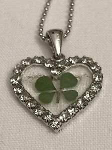 JEWELLERY PENDANT REAL FOUR LEAF CLOVER  HEART (Brilliant white)