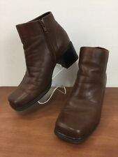 White Mountain Diamond Leather Ankle Boot Square Toe Side Zip Flex Sole Womens 7