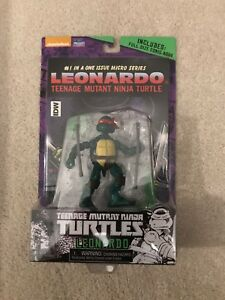 Rare Teenage Mutant Ninja Turtles Leonardo Comic Book and Figure Set TMNT