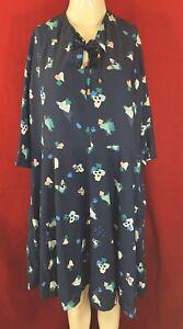 BNWT YUMI Curves Navy Multi Print 3/4 Sleeve Dress. Size UK 26