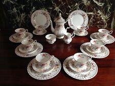 ROYAL ALBERT England JUBILEE ROSE - 27- tlgs Kaffeeservice für 8 Personen