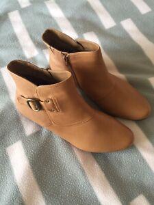 """Diana Ferrari Super Soft Boot """"Darby"""" Tan 10c"""
