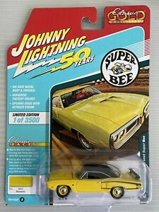 Johnny Lightning 2019 Classic Gold 70 Dodge Coronet Super Bee 1/64 Rubber Tires