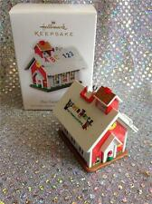 2010 HALLMARK ORNAMENT FISHER PRICE PLAY FAMILY SCHOOL HOUSE - BELL RINGS!