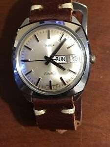 Vintage 1980 Timex Mens England Electric watch new battery & leather strap Runs
