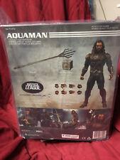 Mezco One:12 Collective Justice League Aquaman Jason Momoa Action Figure Trident