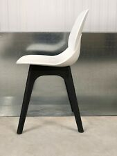 BRAND NEW CONTEMPORARY WHITE PLASTIC SEAT/BLACK LEG FRAME OFFICE/ HOME CHAIR