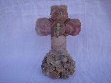 Croix ancienne en coquillage