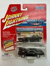 1971 DODGE CHALLENGER RT/340 2004 JOHNNY LIGHTNING MUSCLE CARS U.S.A.  1:64