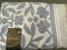 NEXT - BLUE WOVEN FLORAL BATH TOWEL WITH LINEN LOOK EDGE COVERED IN LACE - BNWT